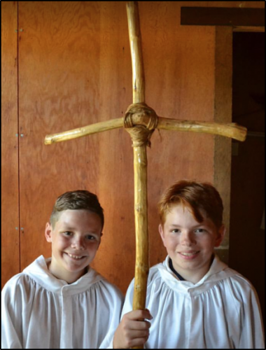 Altar-servers-prepare-for-daily-Mass
